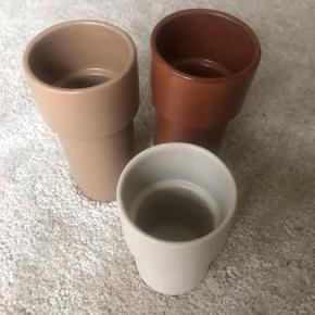 Super fine vaser sælges, da jeg ikke har plads til dem længere. De har heller aldrig været i brug.  Mærket er ukendt.  Sælges for 30kr stykket, eller 80kr samlet ☺️
