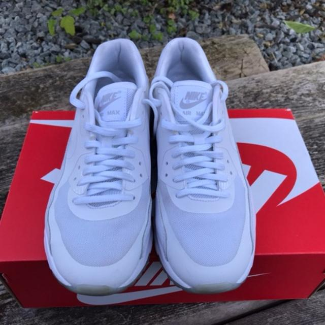 Nike str 39, nypris 1200kr, som ny | Nike