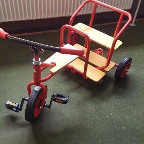 Rose børnecykel sidste tilbage. Normalpris 4000kr med extra sæder