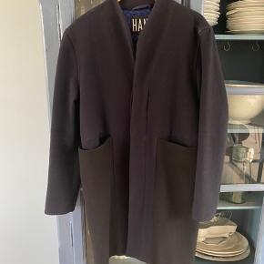 Frakke fra Han kjøbenhavn. Kan ikke huske ny pris, men i er velkommen til at byde