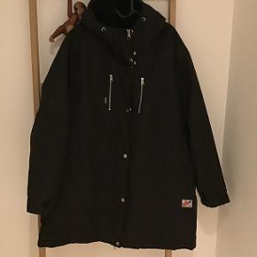 Lækker varm jakke fra Danefæ, købt sidste vinter.