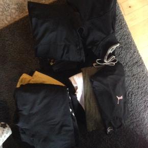 Kæmpe tøjpakke til ung dreng str 12/15år ca alt tøj er som nyt ingen slid osv  Spørg for mere info  Kun mærke tøj  Meget tøj er købt i Nielsen