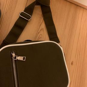 Helt ny hvisk taske :D