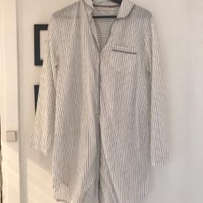 Smuk tunika kjole fra ZARA Home. Aldrig brugt da den ikke passer. 100 % bomuld