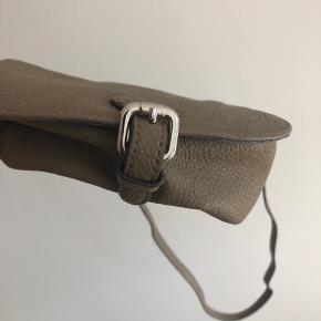 Fin taske fra Levi's. Aldrig brugt. Nyprisen var 400 kr.