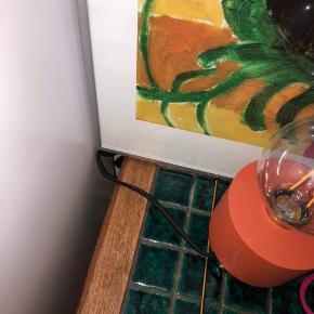 Virkelig fin H&M Home lampe. Aldrig brugt. Pære følger med. Nypris var 700 inkl pære. Byd!