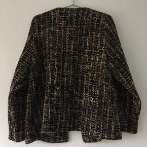 Brun blazer, står ikke mærke eller størrelse men vil gætte på str. 40/L til 42/XL