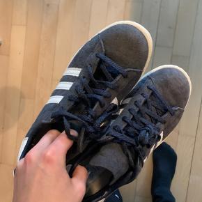 Adidas campus, rigtig fin stand, brugt få gange, har bare stået og samlet støv. Trænger til ny ejer :-)