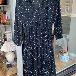 Fin kjole fra Zara, kun brugt 3 gange