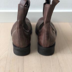Fede støvler fra Bianco i ægte læder. Aldrig brugt. Byd gerne.