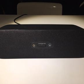 Creative D80 højtaler / fungere perfekt / sælges da jeg har købt en ny / forbindelse via Bluetooth / ledning til strøm medfølger