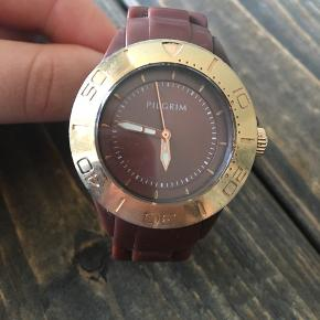 Super fint Pilgrim ur. Det er brugt, men fortsat fint.