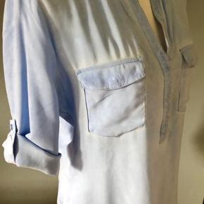 Dejlig let og blød skjorte str L fra SECOND Female i pæn stand 125kr