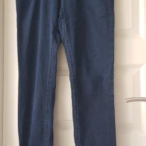 GARDUER hedder mærket bukserne er fra.