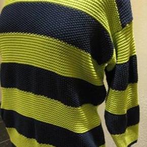 Long Island strik bluse str L Bm 2x58 cm Længde 65 cm - bomuld kan strækkes lidt - 70 kr plus porto Blå og mere mintgrøn striber - knapper i nakken (m8501)  #Secondchancesummer