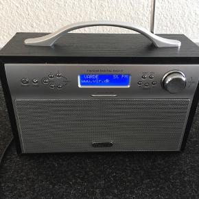 1 år gammel DAB radio