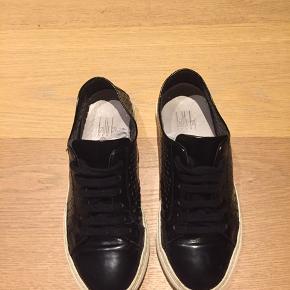 Rigtig fine billi bi sko. Modellen er desværre udgået, men sælger mine, da jeg ikke får dem brugt. Nypris er omkring 2500-3000kr