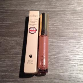 Delilah Ultimate Shine Lip Gloss 6,5 ml i farven Jewel. Helt ny og ubrugt.