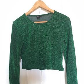 Glitter grøn crop top fra monki 👒