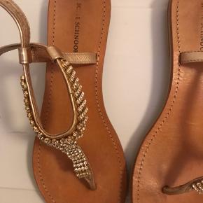 Lækre sandaler med sten fra Sofie Scnoor - brugt meget sparsomt.  Byd gerne ✌🏼