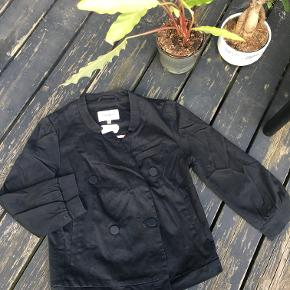 Brand: Pepe Jeans   Black Smart Jacket for any occasion in autumn! Great fit as a top for dresses at windy evening gatherings or for jeans to give a more smart look!