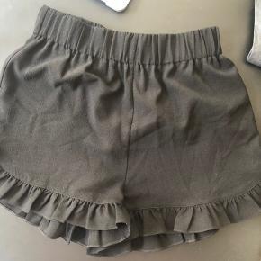Ganni shorts. Stort set ikke brugt 💓☀️
