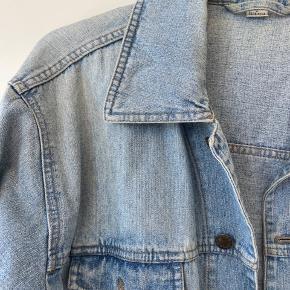 Mega sød oversize denim jakke!   Str er en L