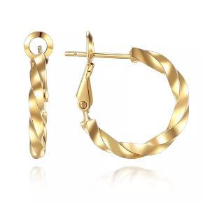 Øreringe udført i kirurgisk stål og guldbelagt. De er nikkelfri og i bedste kvalitet 🍃 Hoops måler 2cm  Ved køb af to smykker, betaler jeg fragten😊