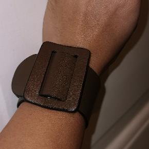 Boyy Bracelet ,måler 23 cm i alt
