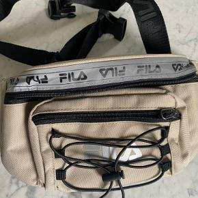 Fila bæltetaske