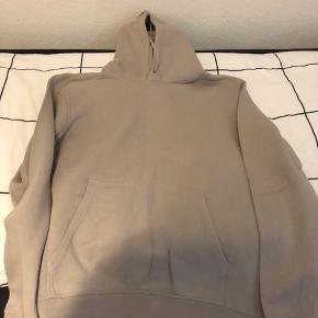 H&M hoodie  Nypris 180 kr.  Sælges til 50 kr.