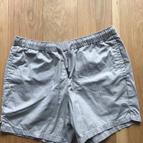 Sælger disse lækre sandfarvede shorts fra topman som passer 32-34 i vidden i jeans str. (de er til den korte side)