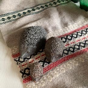 Tre skønne keramik pindsvin   Til salg på flere sider   Tanders NV ofte københavn  Sender gerne på købers regning