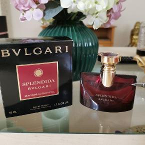 Bvlgari - Splendida Magnolia Sensuel - EdP 50 ml Brugt et par gange, se markering på billedet. Nypris 675,- Sendes på købers regning
