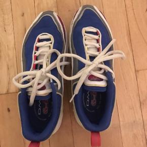 Reebok daytona sneakers som nye. Aldrig brugt