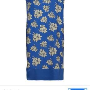 Så smuk kjole også smart til bukser eller Cowboybusker eller leggings Køber betaler Portoen