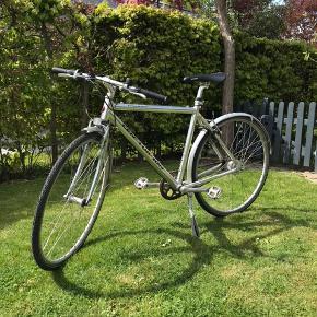 Centurion cykel i sølvgrå 7 gear og håndbremser (Slidt hul i saddel og bagskærm)