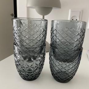 Monday sunday glas