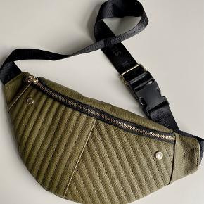 Steve Madden bæltetaske