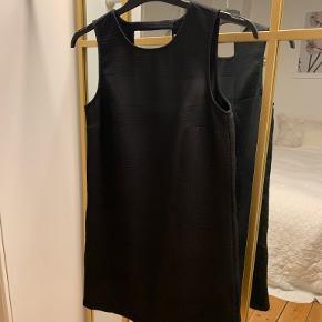 Koton kjole