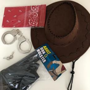 Cowboy-udstyr. Kan sendes mod betaling af porto kr. 40,00 med DAO. Aldrig brugt.