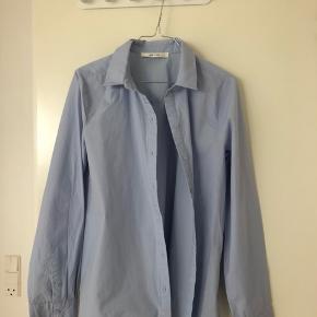 Aldrig brugt skjorte fra gestuz, ny pris var 800kr