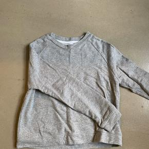 Basic Libertine sweater brugt, men i super fin stand 🌻
