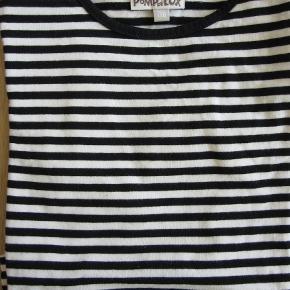Sort/hvid stribet Pompdelux bluse. Rigtig fin stand. Sælges for 60 kr. pp, men KUN via Mobilepay.
