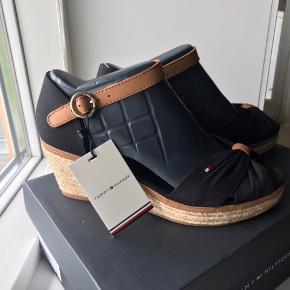 NMM Tommy Hilfiger sandaler