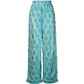 Smukke Ganni bukser, brugt få gange.Ny pris var 1300kr. Mp 500