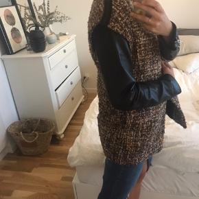 Blaire lignende kappe \ frakke \ jakke. Meget smuk
