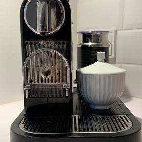 Sælger min kaffemaskiner, da vi flytter og får en indbygget kaffemaskine, og derfor har jeg ikke brug for denne længere.  Virker upåklageligt og fejler absolut intet. Fremstår fuldstændig som ny.   Nypris kr. 2000.
