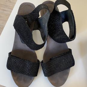 Cashott heels