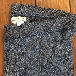 Super lækre, bløde leggings fra HALLUM str. 1. Svarende til en s/m. Desværre for store til mig.
